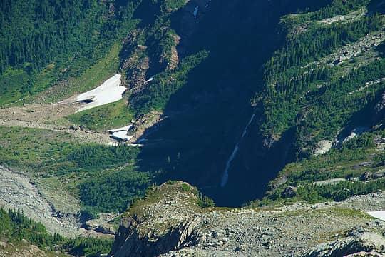 Huge waterfall in Pride Basin