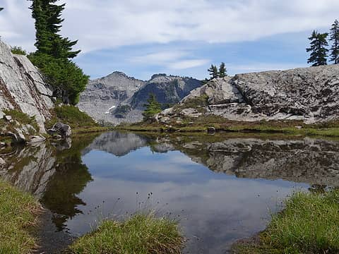 Small tarn enroute to Chetwoot