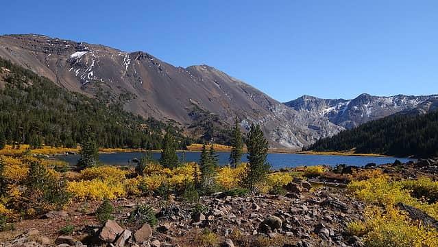 Fall color at the lake
