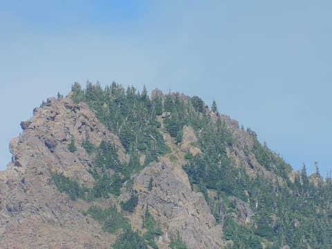 zoom in on Mt Ellinor summit, at least three hikers in view