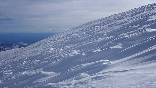 Snow features from wind