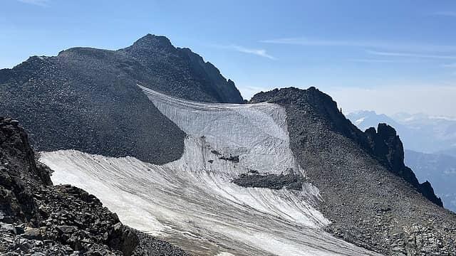 Upper snow field below 7FJ